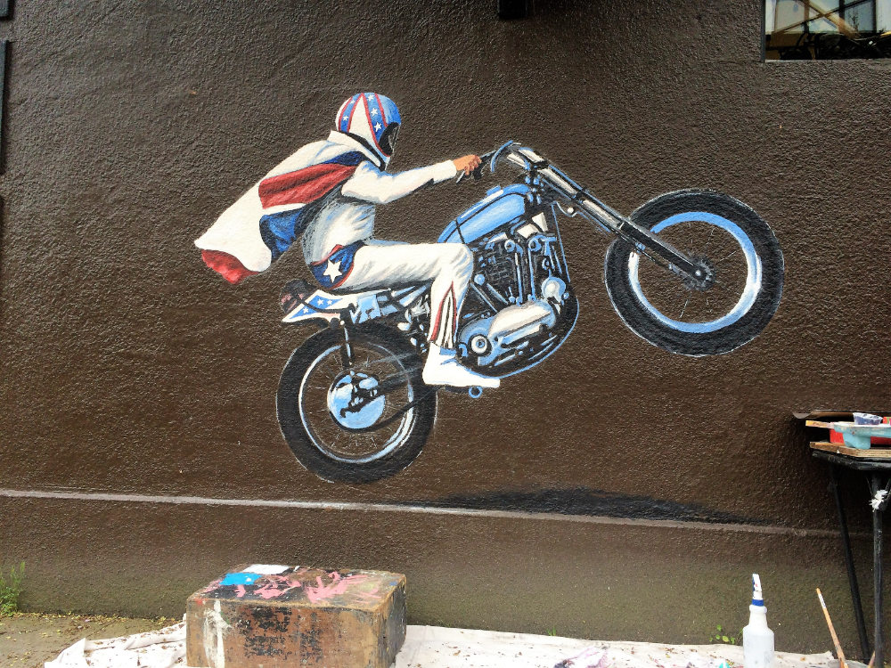 Evil Knievel mural with Justin Riede